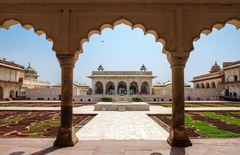 Khas Mahal en het onder ogen zien van tuin, Agra-Fort, Agra, India stock foto