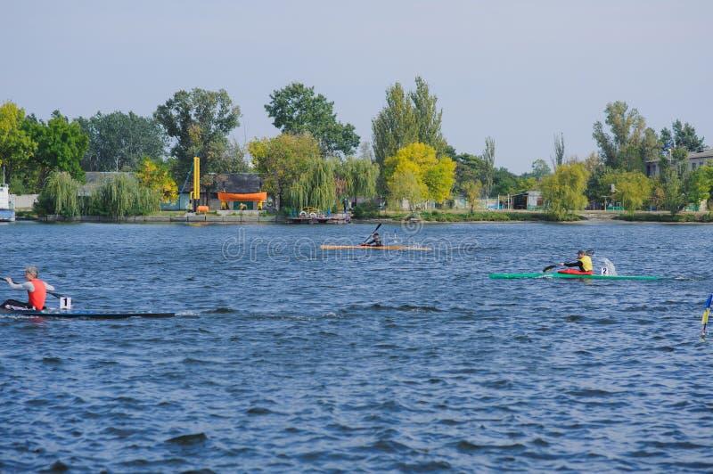 Kherson, Ucrania, competencia de septiembre 30,2014 del rowing deportes imágenes de archivo libres de regalías