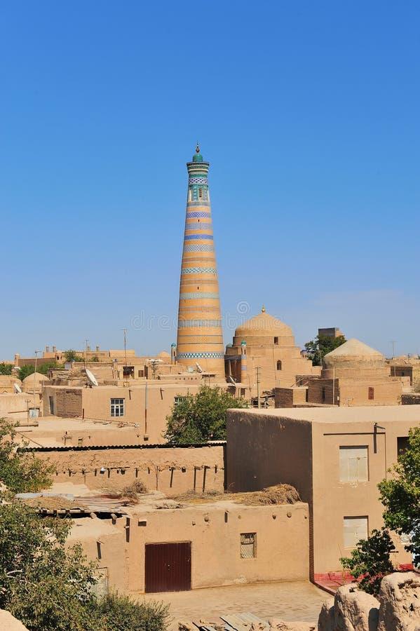 Khiva: παλαιοί πόλης μιναρές και θόλοι στοκ εικόνες