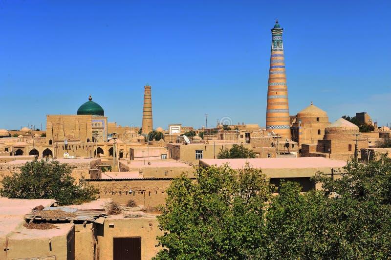 Khiva: minareti e cupole di vecchia città immagine stock libera da diritti