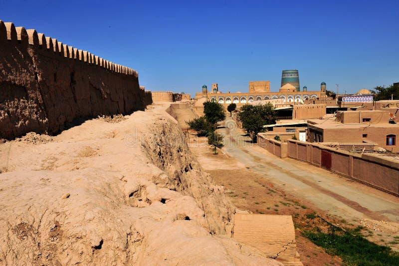 Khiva: parete medievale e vecchia città fotografie stock libere da diritti