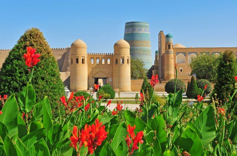 Khiva: portoni medievali fotografie stock