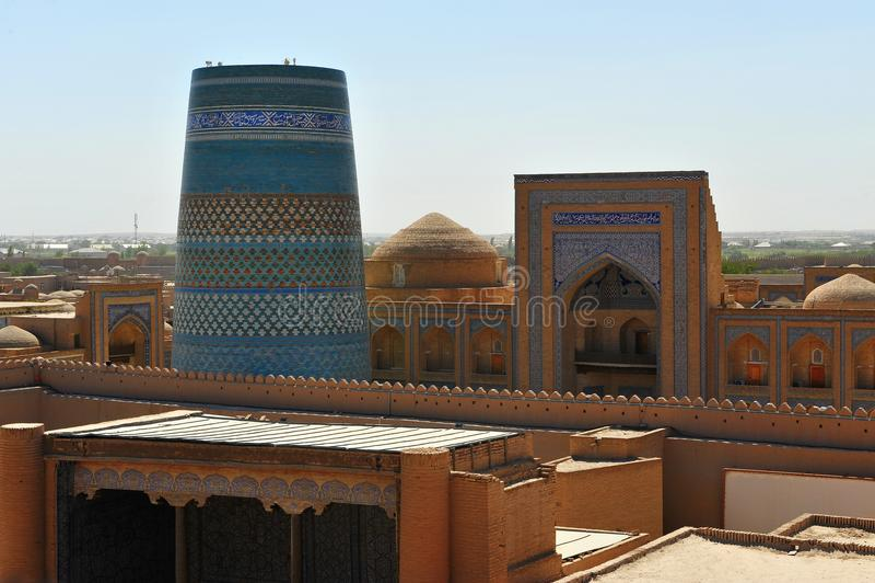 Khiva: torri ed arco fotografia stock libera da diritti