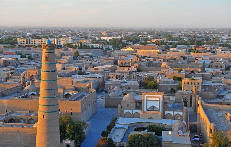 Khiva: vecchia città sul tramonto fotografie stock
