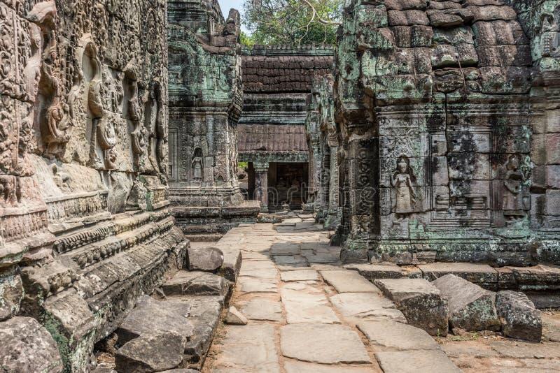 Khmer friezen op het binnenland van Angkor Wat stock afbeeldingen