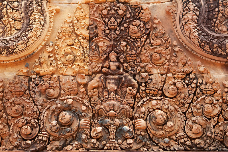 Khmer Relief In Banteay Srei Royalty Free Stock Photos