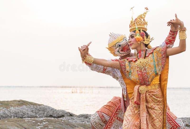 Khon is de traditionele kunst van het dansdrama van Thaise die klassiek wordt gemaskeerd voor royalty-vrije stock fotografie