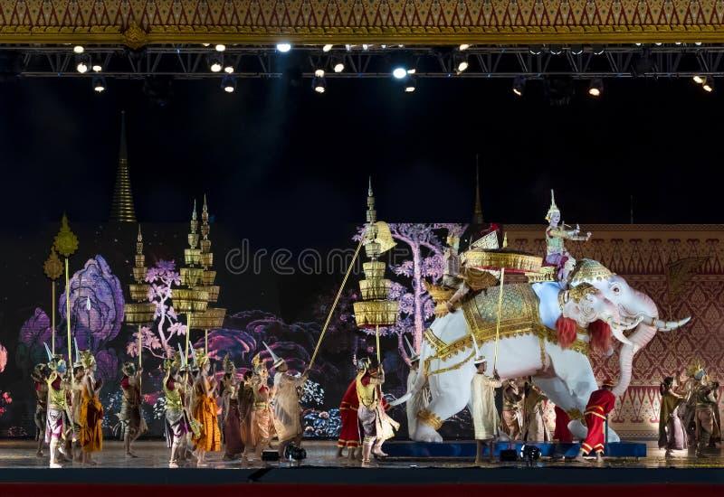 Khon föreställningskonst visar klassisk thailändsk dans royaltyfria bilder