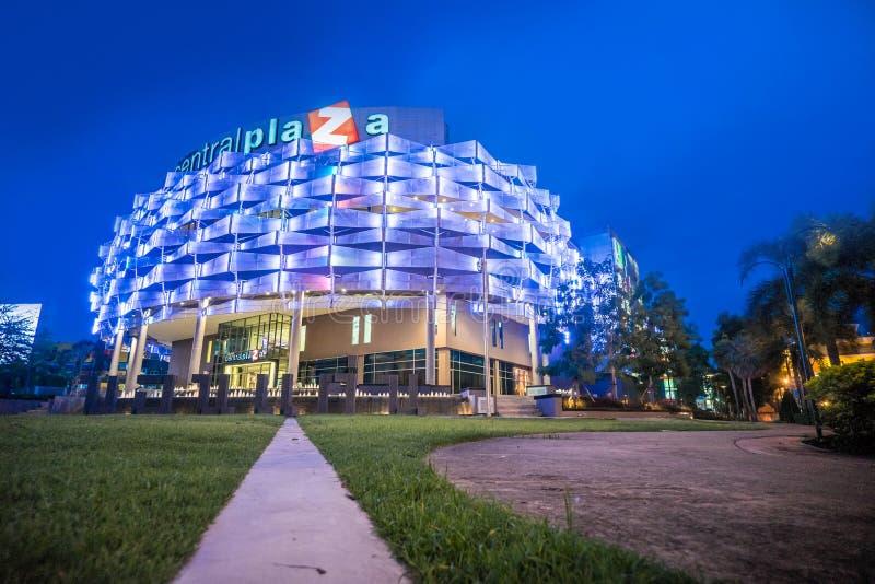 Khon Kaen, Tailândia - 21 de novembro: A parte dianteira do Plaz central imagem de stock royalty free