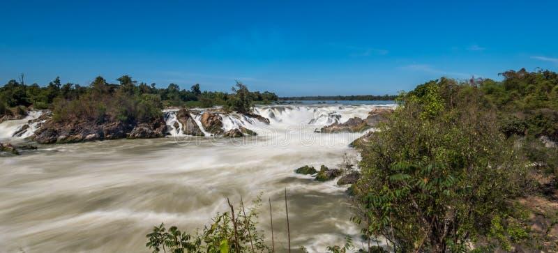 Khone Phapheng tombe sur le Mekong au Laos du sud photo libre de droits
