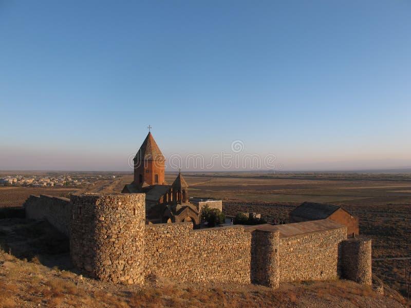 Khor Virap djup fängelsehåla - forntida armenisk kloster royaltyfria bilder