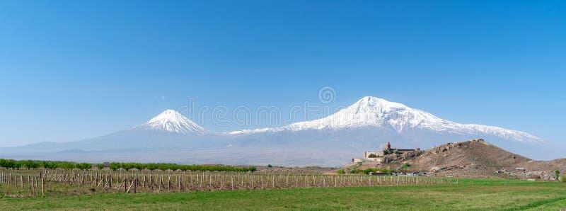 Khor Virap kloster på bakgrunden av Mount Ararat i Armeni arkivfoto
