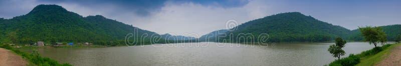 Khoyraberhi-Wasserverdammung - Purulia, Westbengalen, Indien lizenzfreies stockbild