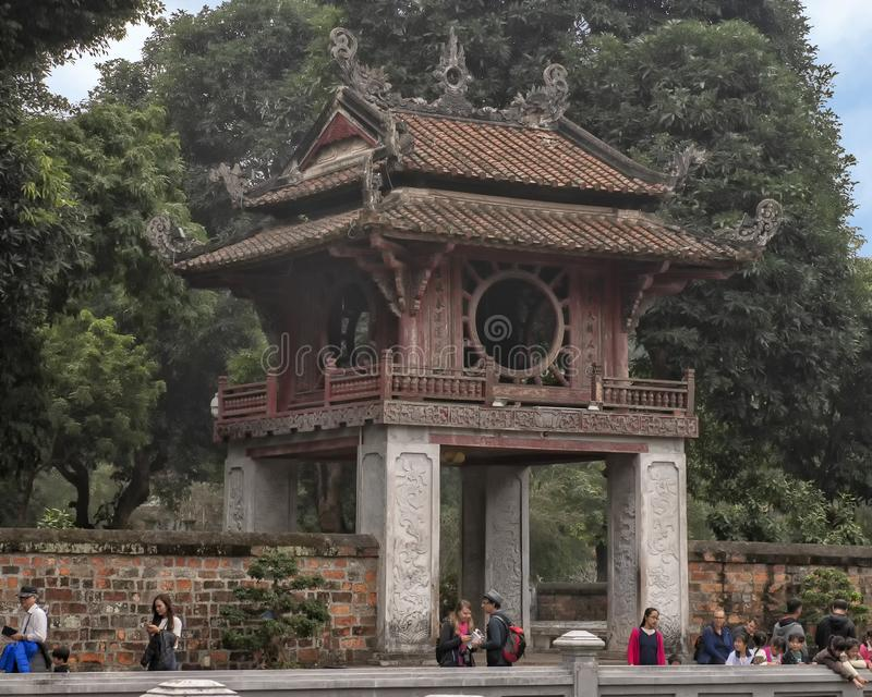 Khue Van Pavilion, del tercer patio, templo de la literatura, Hanoi, Vietnam foto de archivo