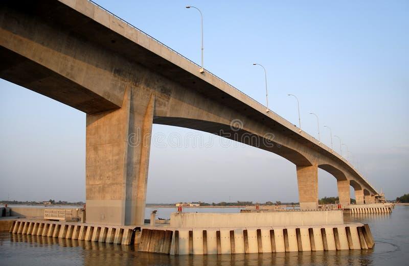 Khulna, Bangladesch: Die Khan Jahan Ali Bridge, auch bekannt als Rupsa Bridge lizenzfreie stockbilder
