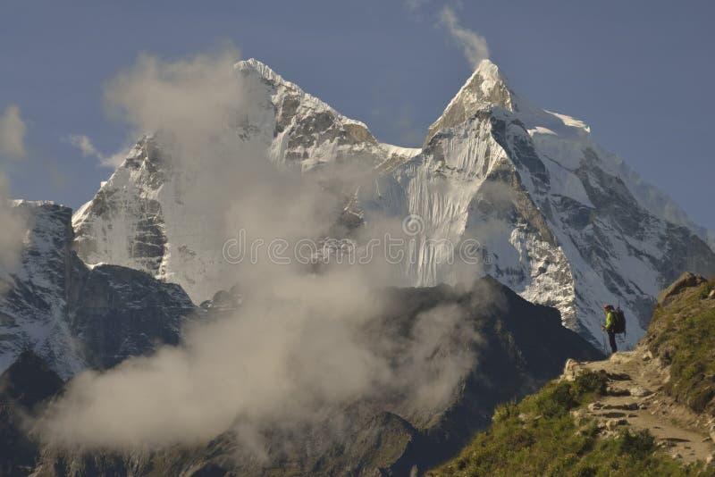 Khumbu谷的登山人 喜马拉雅山尼泊尔 免版税图库摄影