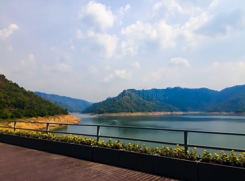 Khun Dan Prakarnchan Dam Nakhon Nayok Província Tailândia fotografia de stock