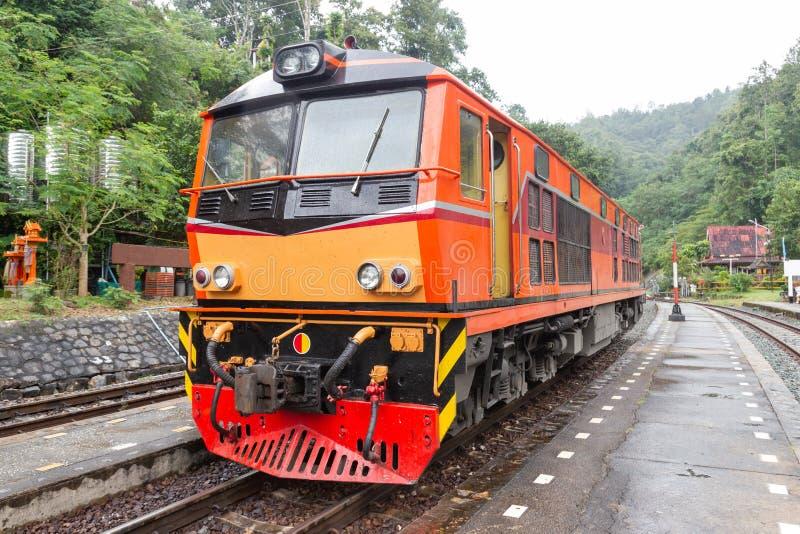 Khun Tan Tunne - Lampang Thailand - Oktober 14, 2018: - Khun solbrännajärnvägsstation arkivfoto
