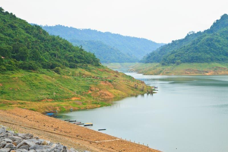 Khundanprakanchon水坝 免版税图库摄影