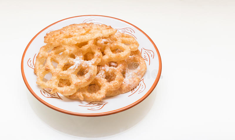 Kia-bloem-vormige shebakia Marokkaanse koekjes stock afbeeldingen