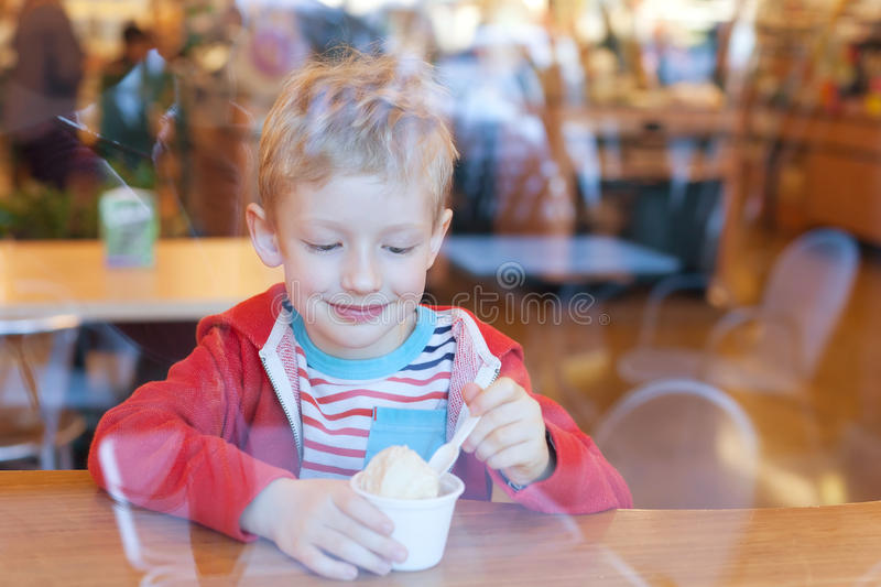 Download Kid Eating Ice Cream Stock Images - Image: 36968894