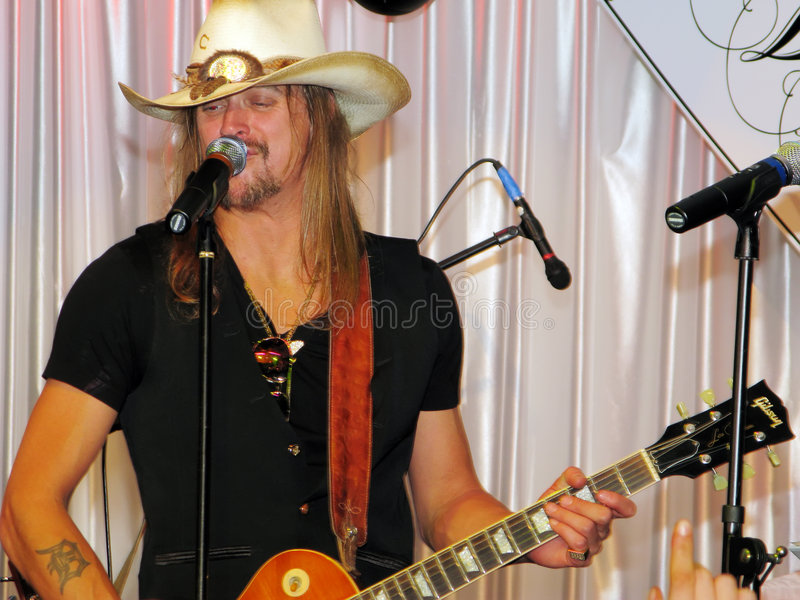 Kid Rock executa na gala de Barnstable-Brown fotografia de stock royalty free