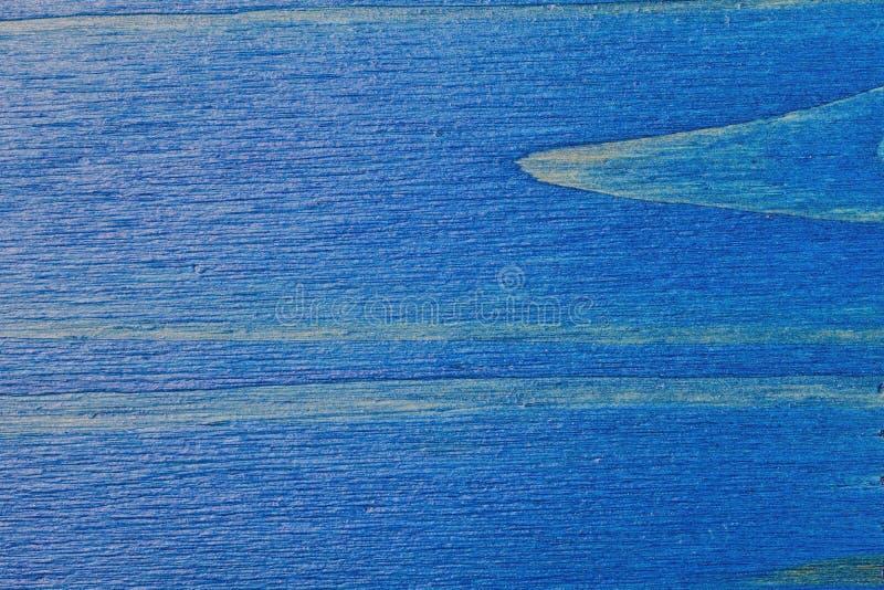 Kiefernholzhintergrund gemalt blau und lackiert stockbilder
