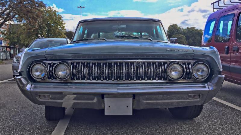 KIEL, ALEMANIA - 08/27/2017: lanzamiento de un coche clásico de Mercury fotos de archivo