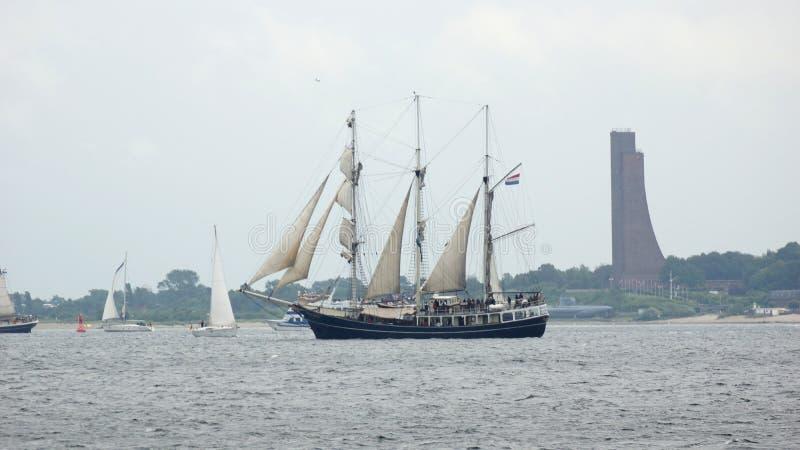 Kiel Week - veleiro - Kiel - Alemanha - mar Báltico imagem de stock