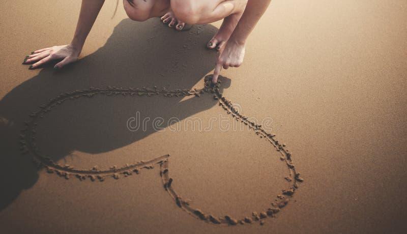 Kierowa miłość Jak plaża chłodu linii brzegowej brzeg Nagi pojęcie zdjęcia stock
