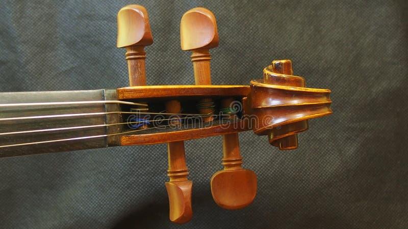 Kierowniczy skrzypce sznurek i dokrętka Drewniany Muzyczny instrument Retro Inspirujemy Pinhole widok fotografia stock