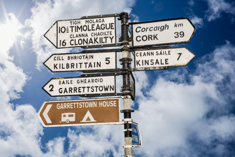 Kierunkowskaz dla miejsc w korkowym Irlandia obraz royalty free