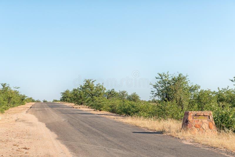 Kierunkowy znak na drodze H9 przy Masorini Pyknicznym miejscem zdjęcie royalty free