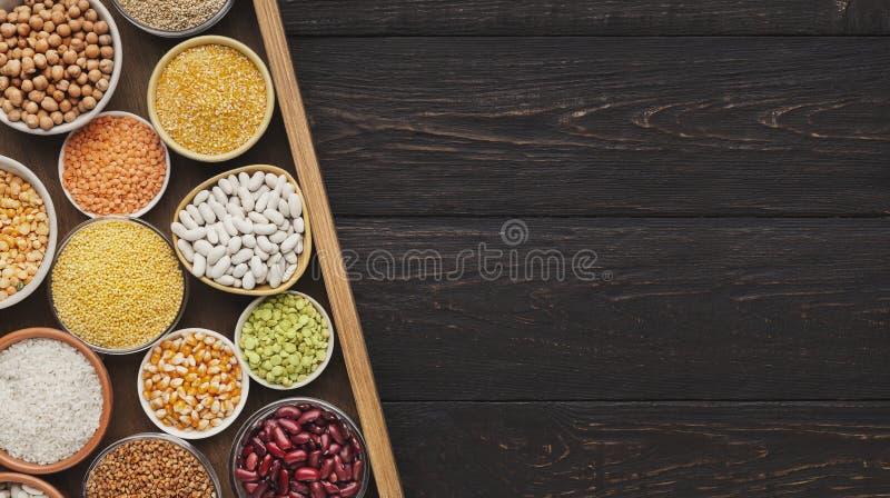 Kies uw havermoutpap Graangewassen en peulvruchtenassortiment stock afbeelding