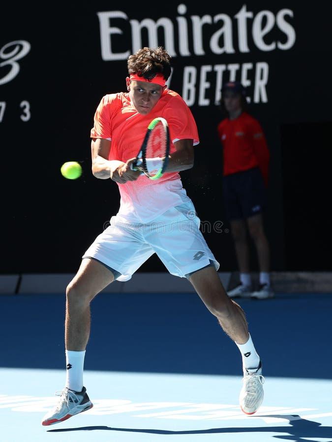 2019 kiest de Australian Openfinalist Emilio Nava van Verenigde Staten in actie tijdens zijn Jongens definitieve gelijke in het P royalty-vrije stock afbeeldingen