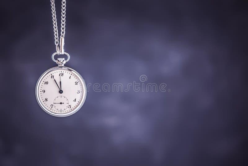 Kieszeniowy zegarek jak czasu Przelotny pojęcie Ostateczny termin, Wyczerpujący czas i pilność obraz stock