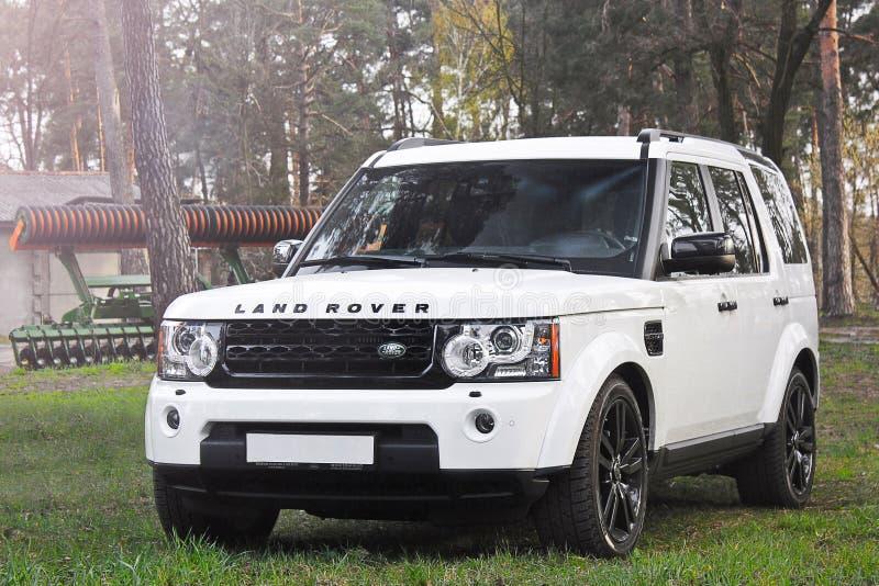 Kiev, de Oekraïne; 20 april, 2016 Landwaaier Rover Discovery 4 stock afbeelding
