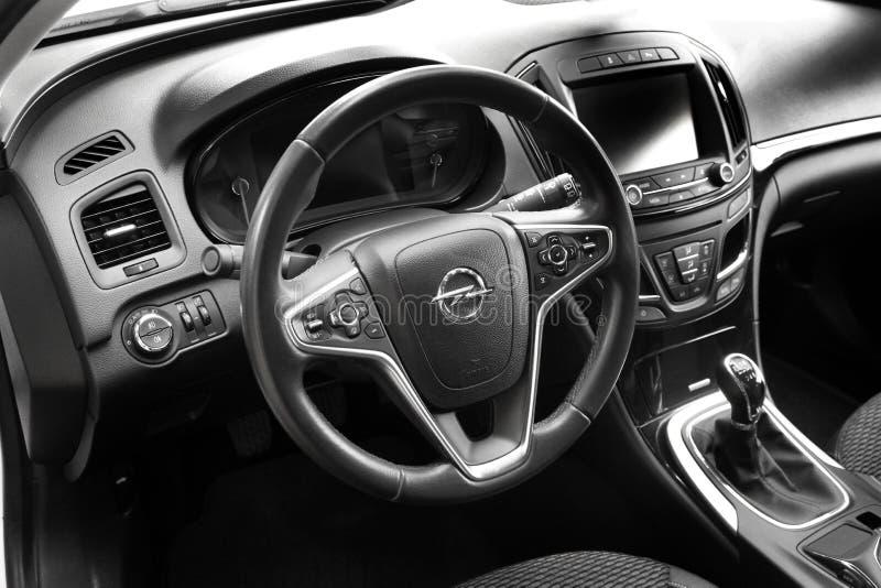 Kiev, de Oekraïne - Juni 19, 2018: Auto binnenlands Opel Insignia royalty-vrije stock foto