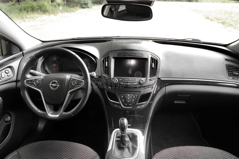 Kiev, de Oekraïne - Juni 19, 2018: Auto binnenlands Opel Insignia stock afbeelding