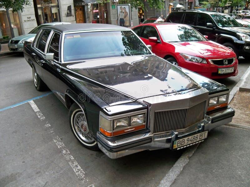 Kiev - de Oekraïne 12 Juni 2011 Cadillac-Brougham royalty-vrije stock afbeeldingen