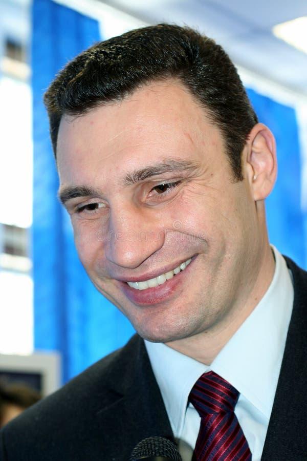 KIEV, de OEKRAÏNE, 21 Mei, de Oekraïense politicus van 2006, beroemde bokser Vitali Klitschko stock fotografie