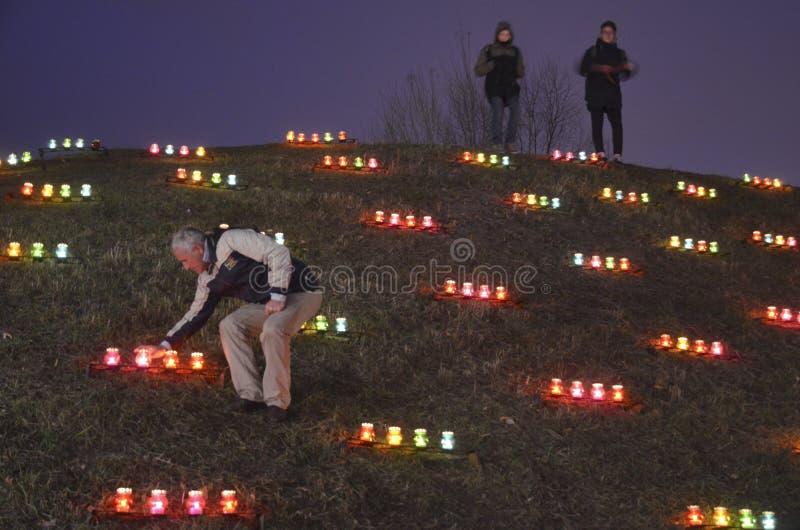 KIEV, de OEKRAÏNE - 28 Nov., 2015: Oekraïeners herdenken de Grote Hongersnood van 1932-1933 stock afbeelding