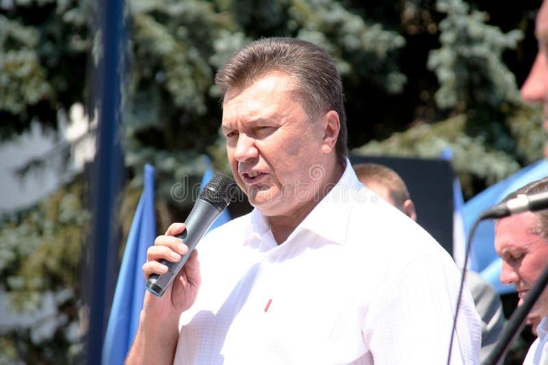 KIEV - JULI 14: De Voorzitter van durin van de Oekraïne Viktor Yanukovych royalty-vrije stock foto's