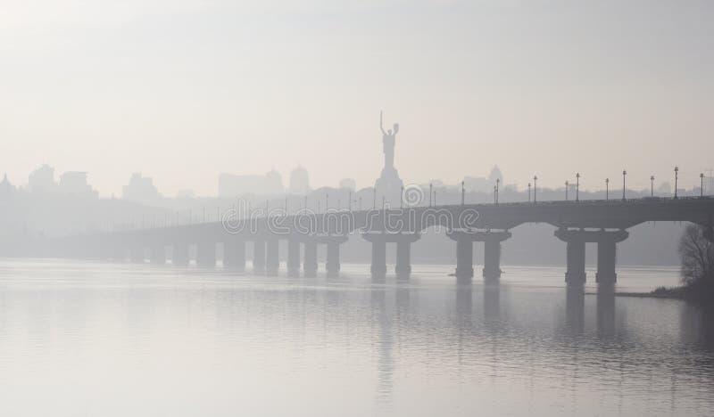 Kiev in mist royalty-vrije stock afbeelding
