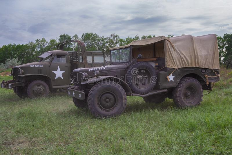 Kiev, Ucrânia - 9 de maio de 2018: Veículos militares do Estados Unidos da América durante a segunda guerra mundial nos recons hi imagem de stock