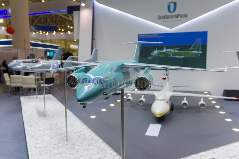 Kiev, Ucrânia - 12 de outubro de 2016: Interesse Antonov do ar do suporte fotos de stock royalty free
