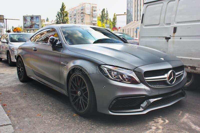 Kiev - Ucrânia Em setembro de 2017 Cupê de Mercedes-AMG C63 S foto de stock royalty free