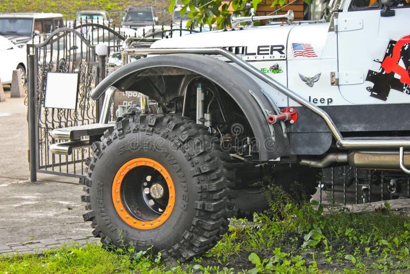 Kiev - Ucrânia Em setembro de 2017 Jeep Wrangler fora de estrada verão imagens de stock royalty free
