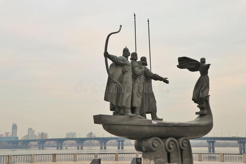 Kiev, Ucrânia Monumento aos fundadores foto de stock