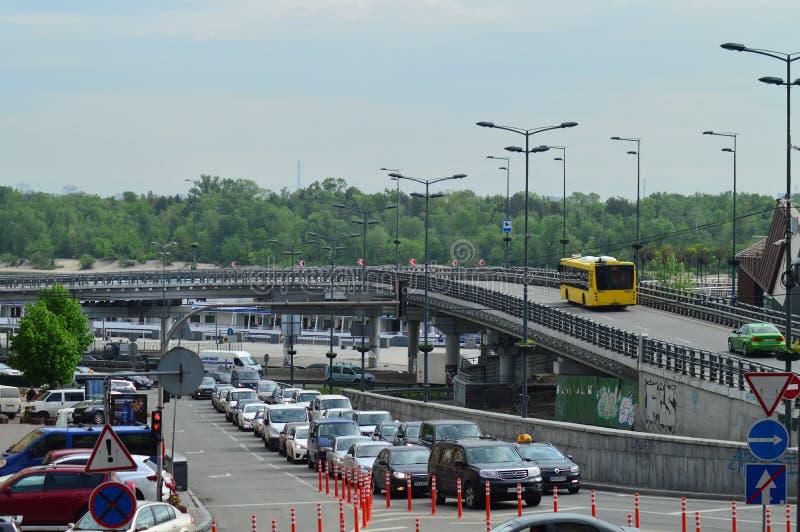 Kiev, Ucrânia Ucrânia 7 05 2019; Transporte em Kiev e em vida urbana foto de stock royalty free
